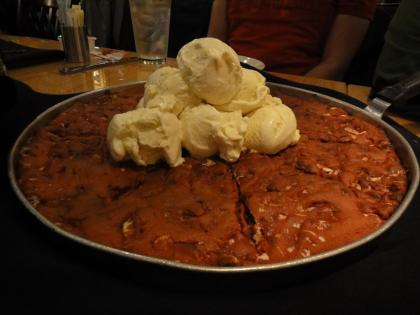 Pizookie: pizza-shaped cookie